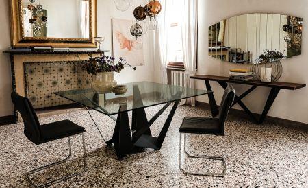 Tavolo Skorpio di CATTELAN ITALIA