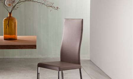 Denise chair by RIFLESSI