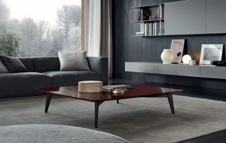 Bigger coffee tables by POLIFORM