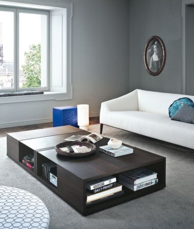 Class coffee table by POLIFORM