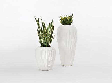 Skin vase by MYYOUR