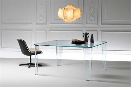 Montefeltro table by FIAM